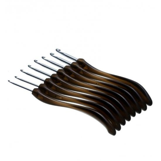 Крючок металлический с изогнутой пластмассовой ручкой 6мм